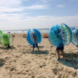 Bubbleball toernooi op het strand
